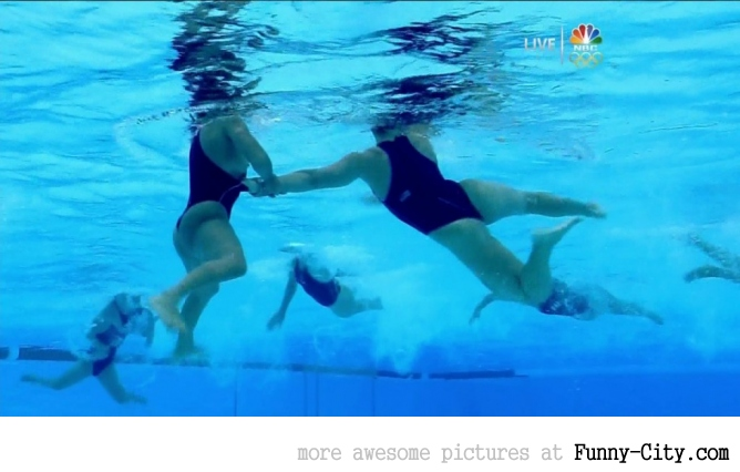 Olympics 2012 wardrobe malfunction: Bare breast shown during water polo match