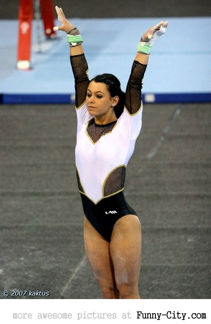 7 extremely hot gymnasts [24 pics] [7643]
