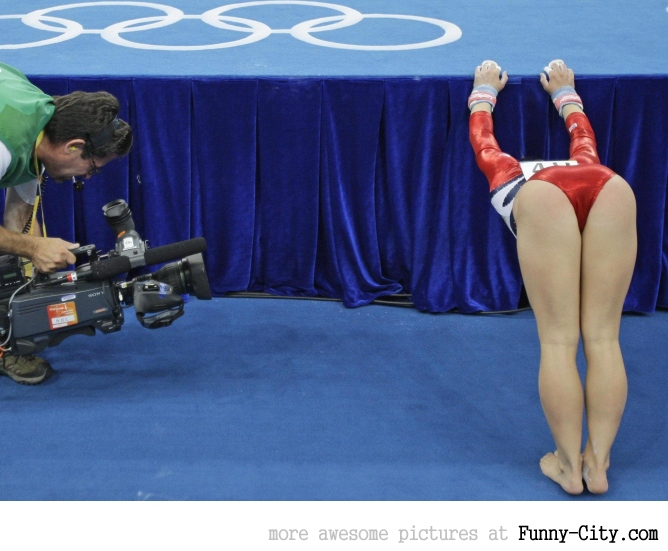 7 extremely hot gymnasts [24 pics] [7656]
