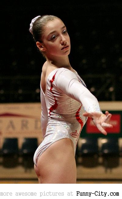 7 extremely hot gymnasts [24 pics] [7670]