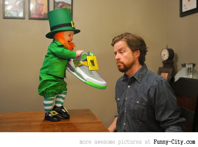Dad turns his 6-month-old baby into a naughty Leprechaun [7 photos] [11359]