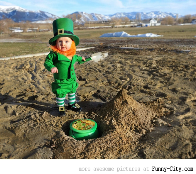 Dad turns his 6-month-old baby into a naughty Leprechaun [7 photos] [11365]